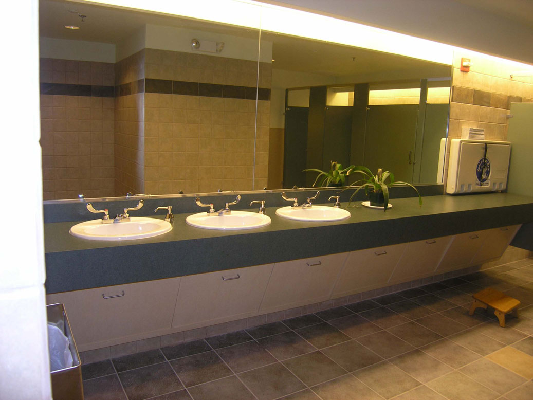 commerical bathroom | qconcept inc | dallas - fort worth, texas